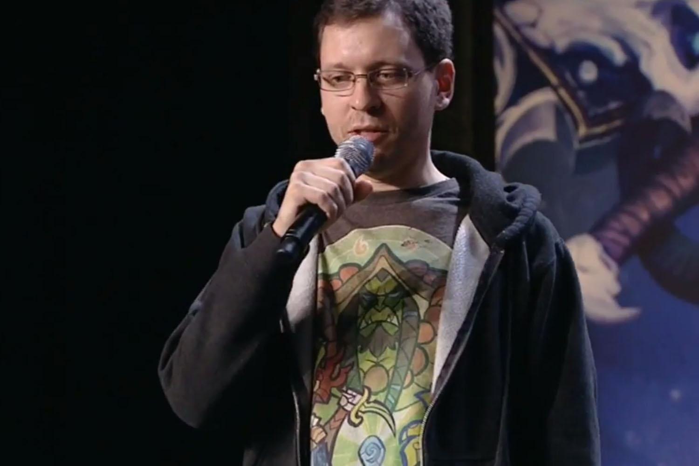 Майк Донэ на сцене